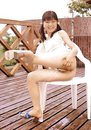 Anna, charismatic japanese Teen
