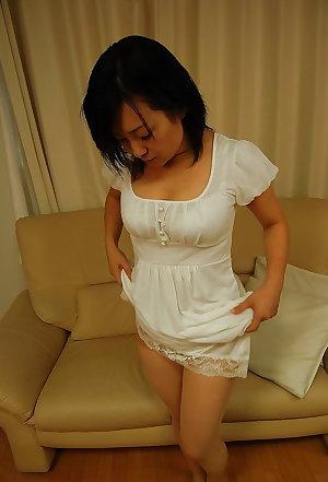 Asian matures and milfs 36