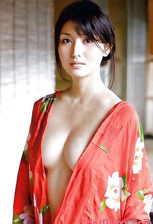 Cute Asian Babes 37