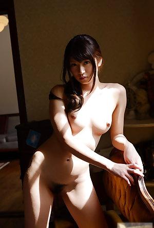 Beautiful Asian Ladies 35