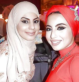 america great again (women hijab)