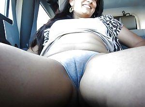 Jugs Divorcee Sexy Flauting Aunty