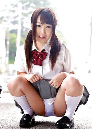 Japanese Spread legs