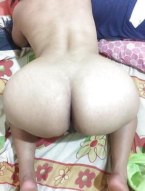 Indian aunty mom bhabi