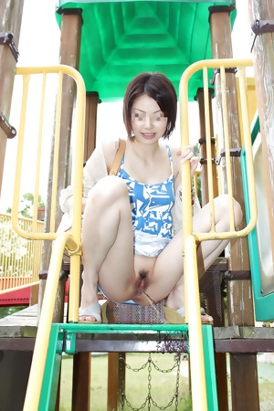 Japanese amateur wife playing from NET