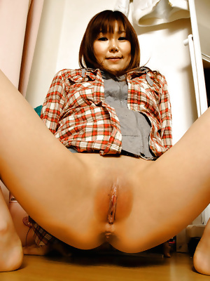 Japanese Amateur Mature Sluts 20