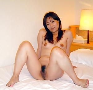 Japanese Amateur Mature Sluts 24