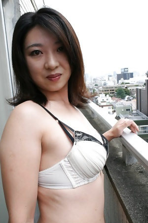 Japanese cute wife Naho