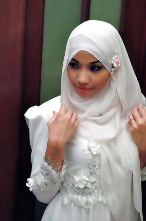 Azlyn Nureman, Malaysian model Nude