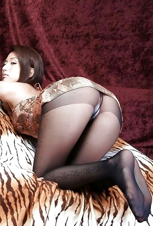 Cute Asian Ass X