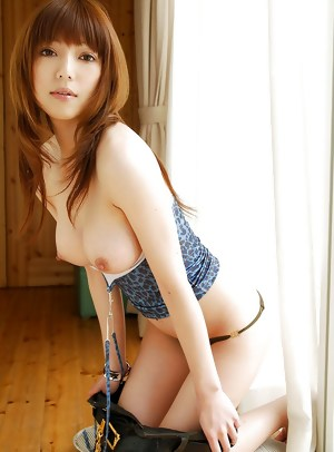 Yui Misaki - 10 Japanese Beauties