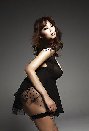G-Cup Japanese Porn Star Rara Anzai
