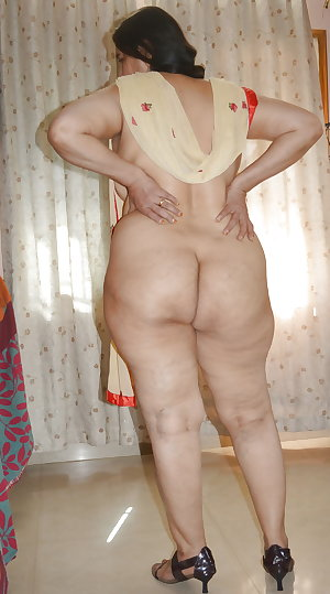BIG ASS MATURE AUNTY-3