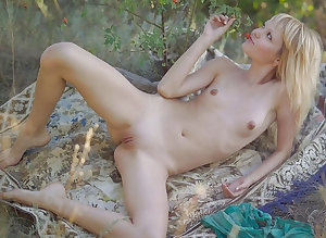 Naked Teen Girls IV