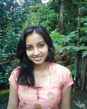 INDIAN GF TINA -INDIAN DESI PORN SET 9.0