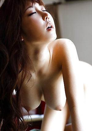 Naked Asian Girls 17