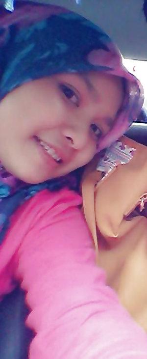 Melayu bertudung cantik bogel