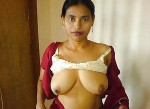 Sexy Desi Aunties