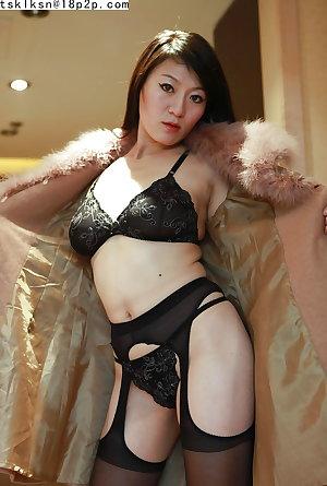 Asian matures and milfs 27